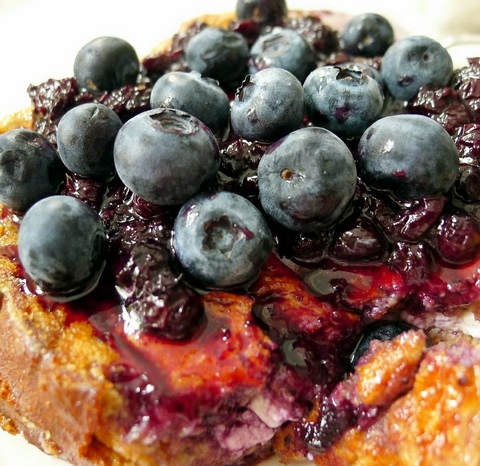 By Lori L. Stalteri from North of Boston, US (Blueberry Stuffed French Toast) [CC BY 2.0 (http://creativecommons.org/licenses/by/2.0)], via Wikimedia Commons