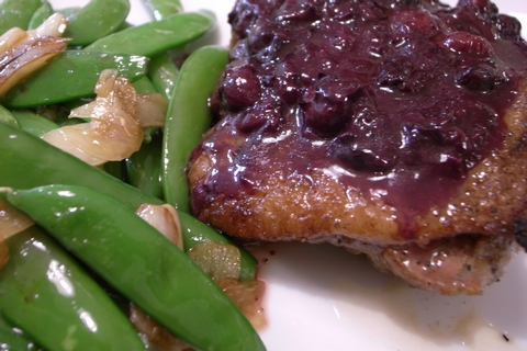 By Naotake Murayama from San Francisco, CA, USA (Duck Roast with Blueberry Sauce, Side of Snap Peas) [CC BY 2.0 (http://creativecommons.org/licenses/by/2.0)], via Wikimedia Commons